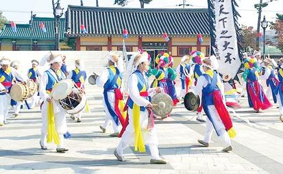 매주 오죽헌에서 강릉농악 상설공연 개최 강릉농악보존회